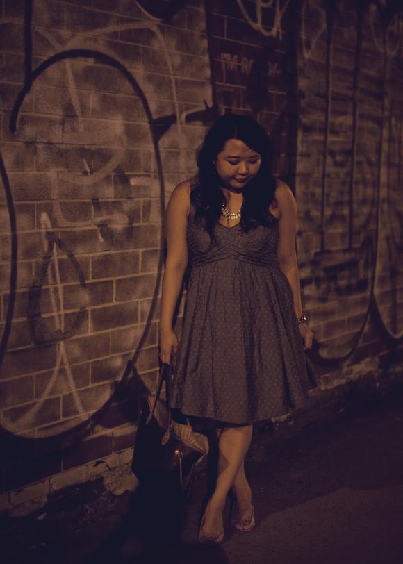 fashion blogger in an eshakti custom summer sundress