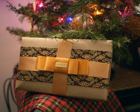 novica premium gift wrapped present